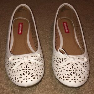 Union Bay White Flats. Size 7.5 Never Worn.